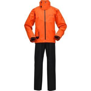 防風性と耐久性を兼ね備え、 着用感に優れたリップストップ素材を使用。 袖と襟には伸縮 ・防水性に優れ...
