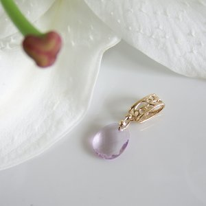 透かし模様バチカン ピンクアメジスト ランダムカットのK10ゴールドペンダントトップ(ヘッド)|airejewelry