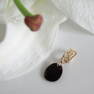 透かし模様バチカン  オニキス ランダムカットのK10ゴールドペンダントトップ(ヘッド)|airejewelry