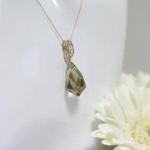 透かし模様バチカン スモーキークォーツブリオレットカット K10ゴールドペンダントトップ(ヘッド)1点もの|airejewelry