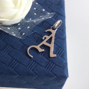 イニシャルペンダントトップ A プラチナコーティング ユニッセックス、メンズ、ペアネックレス|airejewelry