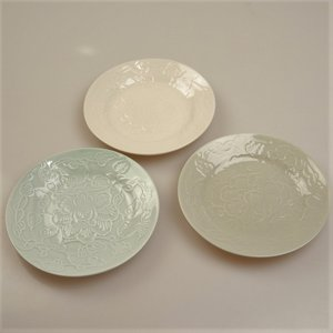 [プレミアムSALE]〔食器〕お花柄のお皿3色セット(小)ベトナム食器 シンプル 食器セット[当日発送可※営業日内12時までのご注文に限る※]|airleaf