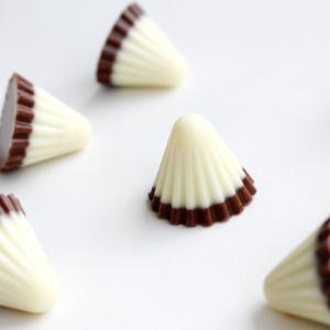 アポロ ホワイトギフト 北海道限定 明治 ホワイトチョコレート お菓子 お土産 北海道|airportshop-bluesky|04