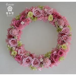 プリザーブドフラワーリース ピンクの濃淡のバラ 淡いグリーンのバラ 明るい雰囲気色合いが春らしい