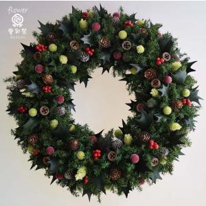 クリスマスリース、ヒイラギの葉と赤い実、葉はプリザーブド加工...