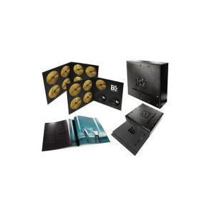 ■仕様 ・CD53枚(1st〜53rdシングル全117曲) ・特典DVD2枚(1st〜52ndシング...