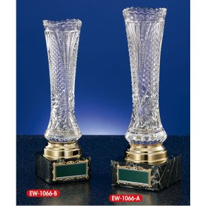 クリスタルカップ: EW1066B 社内表彰・企業表彰・永年勤続表彰・大会用に。高級感あるガラス製トロフィー・クリスタルトロフィー akai-tropfy