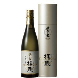 飛良泉本舗 純米吟醸酒 720ml akita-bussan