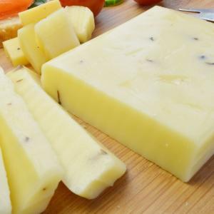 ゴーダチーズ トリュフ入 約190g前後 オランダ産チーズ メルクバス MELKBUS ナチュラルチーズ Gouda Truffle Cheese クール便発送|akt8|03