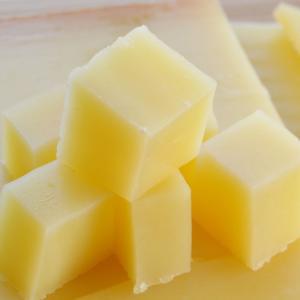 原産国:フランス 種類別名称:ナチュラルチーズ    容量: 約360g前後(約90g前後×4個) ...