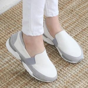 スリッポン レディース スニーカー シンプル 厚底 春 ファッション 靴 婦人靴 黒 白  素材:合...