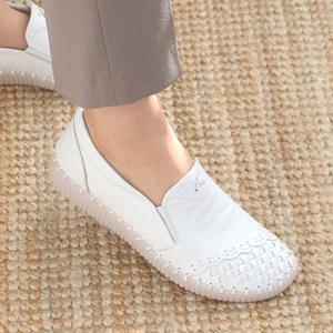 スリッポン レディース スニーカー レザー 本革 春 ファッション 靴 婦人靴 黒 白  素材:牛本...
