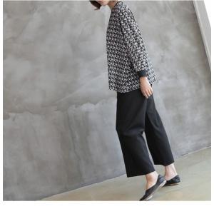 ブラウス レディース 40代 50代 60代 ファッション おしゃれ 女性 上品  黒 ゆったり 体形カバー 長袖 幾何学模様 トップス 秋 ミセス alice-style 20