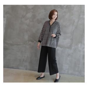 ブラウス レディース 40代 50代 60代 ファッション おしゃれ 女性 上品  黒 ゆったり 体形カバー 長袖 幾何学模様 トップス 秋 ミセス alice-style 04