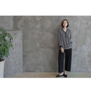 ブラウス レディース 40代 50代 60代 ファッション おしゃれ 女性 上品  黒 ゆったり 体形カバー 長袖 幾何学模様 トップス 秋 ミセス alice-style 07