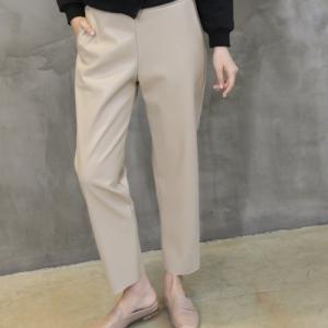 パンツ レディース 40代 50代 60代 ファッション おしゃれ 女性 上品  黒  ベージュ 合皮 裏起毛 無地 バンディング パンツ 冬 ミセス|alice-style