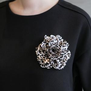ブローチ コサージュ レディース 40代 50代 60代 ファッション 女性 上品  黒 コサージュ レオパード 春夏 ミセス|alice-style