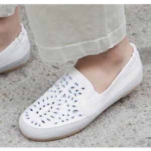 スリッポン レディース 大人 40代 50代 60代 ファッション 女性 上品 白 グレースニーカー メッシュ 春 ミセス|alice-style