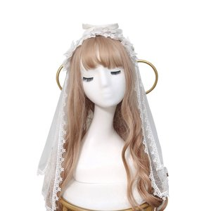 このヘッドドレスは頭部に乗せるようなデザインになっており 頭部にフィットした形で着用できます。 華美...