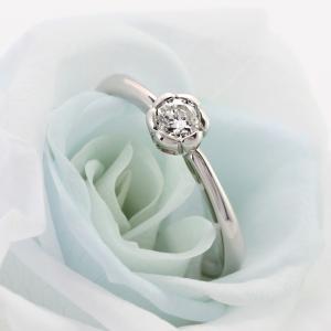 婚約指輪 ダイヤモンド プラチナ 花びら 0.2カラット シンプル【今だけ代引手数料無料】