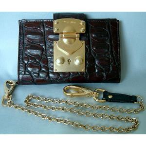 ミュウミュウ miumiu クロコ型押し チェーン付き 2つ折り財布 カカオカラー(濃茶) mmcb|allegrezza