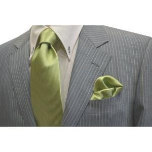 無地(縦ライン)/アップルグリーン(薄い黄緑)のソリッド・ネクタイ&チーフセット(チーフ30cm) / CS-SO013|allety