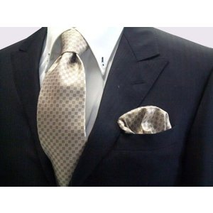ゴールド×ベージュの市松模様ネクタイ&ポケットチーフセット(チーフ30cm) / CS-IT023|allety