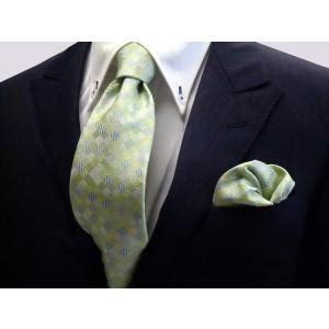 ライトグリーンのグラデーション(4色)の市松模様ネクタイ&チーフセット(チーフ23cm) / CS-IG002|allety