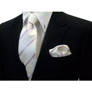 白の織柄地にピンクの濃淡のストライプネクタイ&チーフセット(チーフ23cm) / 結婚式・披露宴・フォーマル・礼装/40%OFF/CSN-S101025|allety