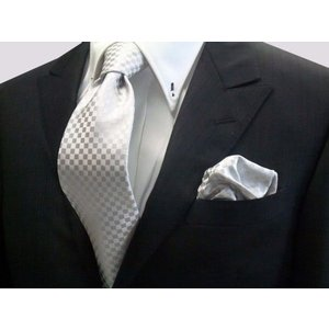 シルバーグレー結婚式用 市松模様ネクタイ&チーフセット(チーフ30cm) / 結婚式・披露宴・フォーマル・礼装/CS-IT011|allety