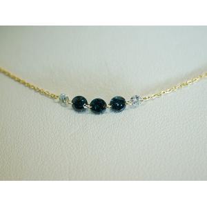 ブルーダイヤモンド&ダイヤモンドのK18ネックレス...