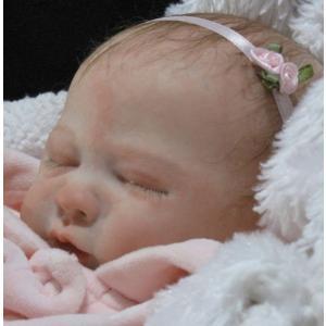 リボーンドールとは、生まれたての赤ちゃんのようなのお人形です。 表情は赤ちゃんによって様々で、眠って...