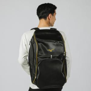 ◇水に強い合成皮革使用。中身が取りやすい大きな本体ポケット。■素材:合成皮革(PU)、ポリエステル(...