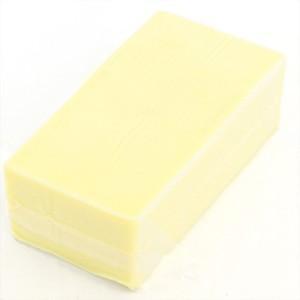 マイルドな風味にほろ苦さが加わり、爽やかな後味を残すデンマークのチーズです。オードブルやサンドイッチ...