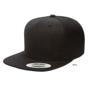 FLEXFIT/フレックスフィットの6パネルのキャップです。ボディとツバの裏が同色の帽子になります。...