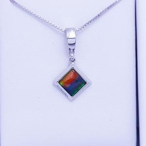 アンモライト シルバー ペンダント トップ 宝石 ジュエリー 正方形型 Aグレード AURORA p1198|ammolite-museum