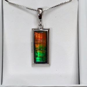 アンモライト シルバー ペンダント トップ 宝石 ジュエリー 長方形型 Aグレード AURORA p1330|ammolite-museum