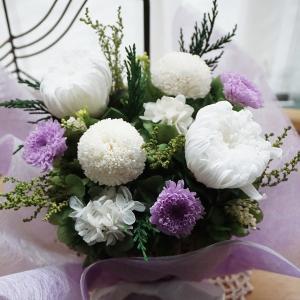 喪中見舞い 花  お供え  供花 お供え花 プリザーブドフラワー 仏壇 仏 お悔やみ お供え 仏花 供え花 御供 仏壇花 あなたを偲んで|ampoule-shop