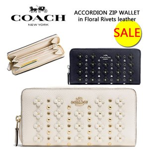 separation shoes 53281 d673d COACH コーチ フローラル リベット ACCORDION ZIP WALLET in Floral Rivets 財布 長財布 レザー スタッズ  花柄 正規品・送料無料