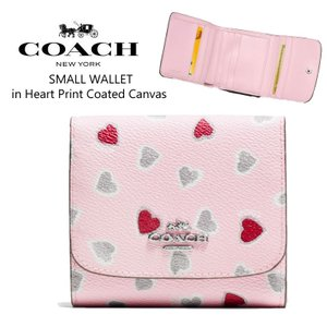 finest selection b6215 e3d19 COACH コーチ SMALL WALLET in heart print ハート柄 三つ折り 財布 ミニ財布 折りたたみ財布 ピンク 正規品・送料無料