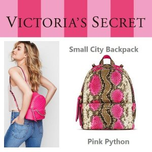 f00ab31c40 Victoria s Secret ヴィクトリアシークレット バックパック リュック ピンク 蛇柄 パイソン small city backpack  正規品 ...