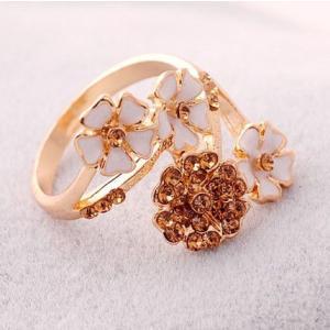 指輪 レディース/花束 フラワービジューリング指輪|angela-web