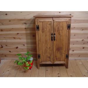 アンティークブラウン ひのきの扉の木製キャビネット 脚付き 受注製作 angelsdust