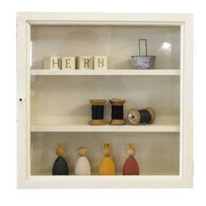 コレクションケース 木製ひのき アンティーク調家具 透明ガラス扉 壁掛け ガラスケース 40×10×40cm 棚付き 正方形ケース アンティークホワイト 受注製作|angelsdust