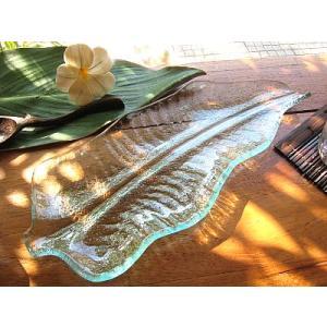 バナナリーフのガラス皿 A 32cm アジアン雑貨 バリ雑貨 エスニック おしゃれな ガラス大皿|angkasa