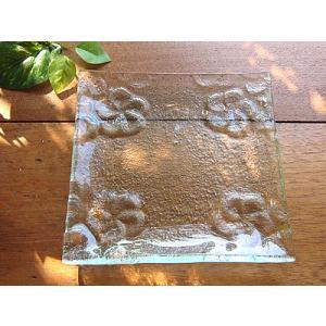 フランジパニ4輪 ガラス皿 15x15cm アジアン雑貨 バリ雑貨 エスニック おしゃれな ガラス皿|angkasa
