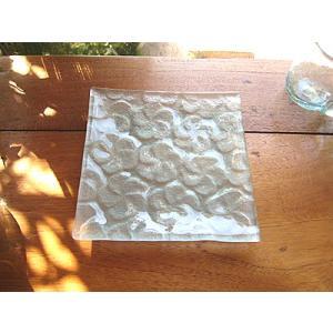 フランジパニ ガラス皿 16x16cm 磨りガラス アジアン雑貨 バリ雑貨 エスニック おしゃれな ガラス皿|angkasa