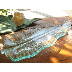 バナナリーフのガラス皿 B 32cm アジアン雑貨 バリ雑貨 エスニック おしゃれな ガラス大皿|angkasa