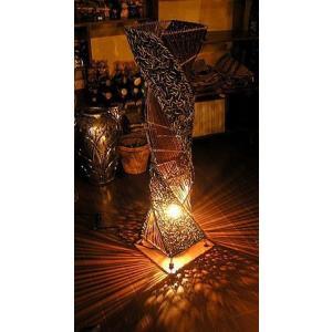 ラタン アタ ツイスト ランプ ブラウン 茶 H.100cm アジアン バリ タイ 雑貨 インテリア 籐 照明 スタンド フロアー エスニック|angkasa