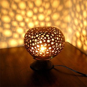 ココナッツのアートランプ 丸型 ヒョウ柄 [直径約15cm] テーブ フロアーライト フットライト おしゃれな きれいな アジアンランプ 照明 エスニック|angkasa